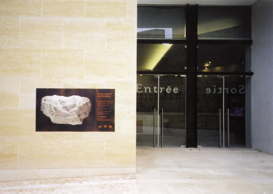 musée National de Préhistoire_signalétique batiment